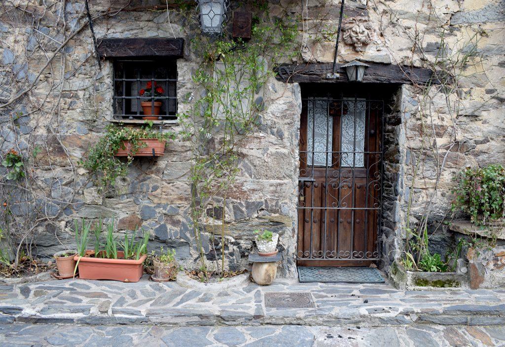 Arquitectura de Pizarra Negra de Patones de Arriba (Fotografía de Jesús García)