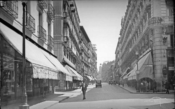 Aspecto de la Calle Arenal en 1930 (Archivo Loty)