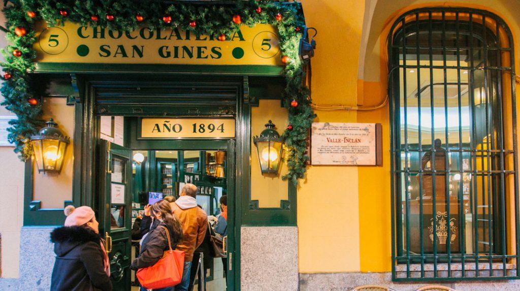 Fachada de la tradicional Chocolatería San Ginés.