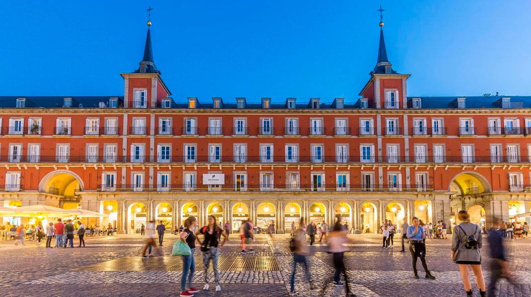 Fachada de la Casa de la Carnicería en la Plaza Mayor.
