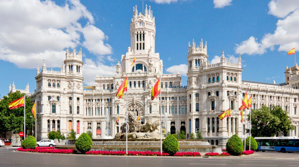 Fachada del Palacio de Cibeles, actual Ayuntamiento de Madrid.