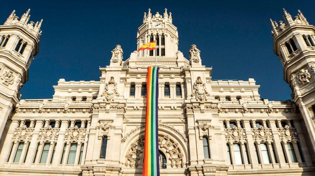 Detalle de la fachada del Palacio de Cibeles, actual ayuntamiento de Madrid.