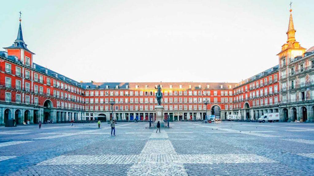 Panorámica de la Plaza Mayor de Madrid.