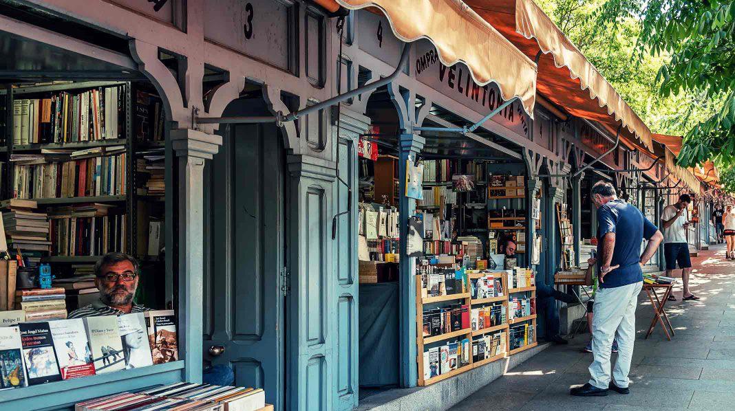 Cuesta de Moyano y su Feria del Libro permanente.