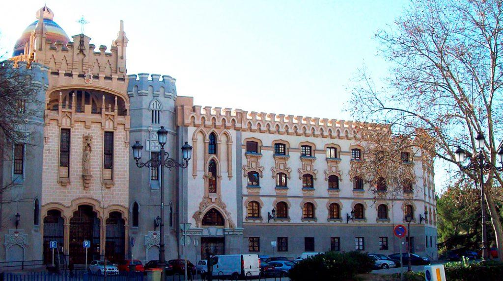 Fachada exterior de la Iglesia de Santa Teresa.