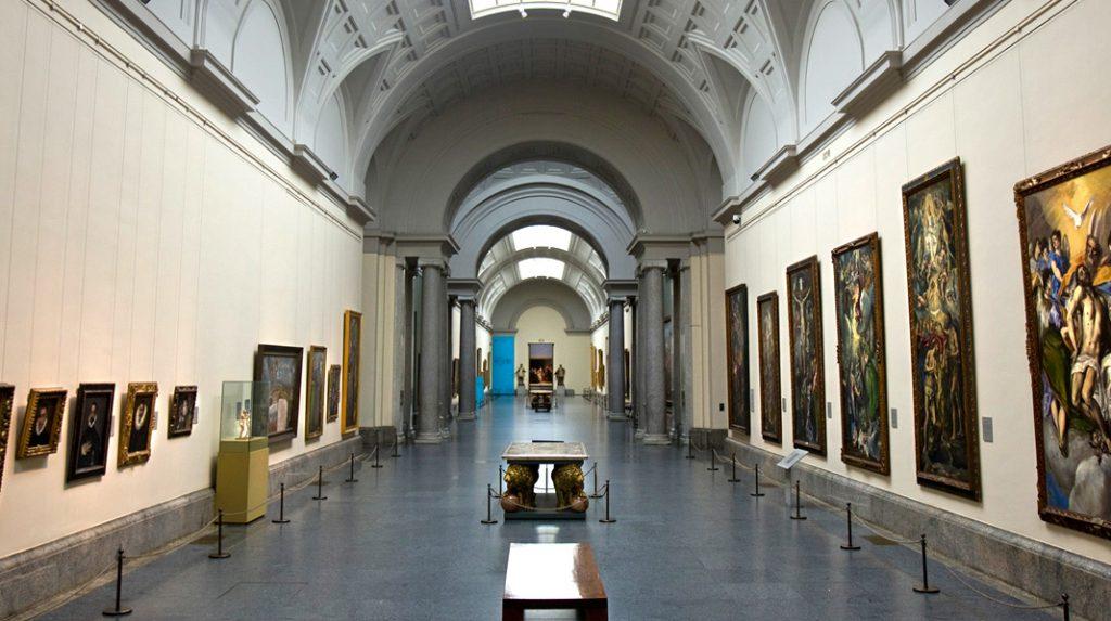 Interior de una de las galerías del Museo del Prado.