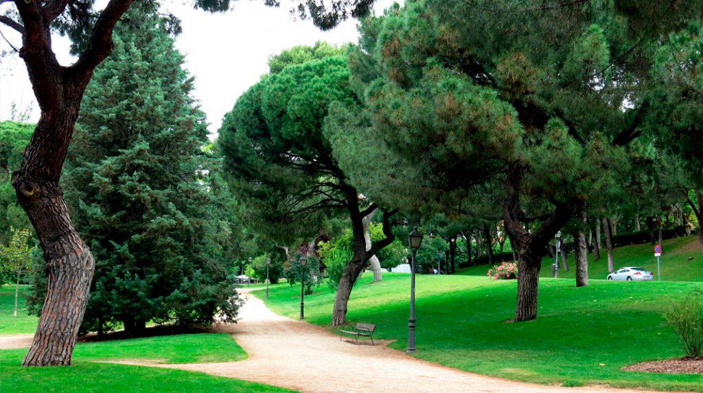 Veredas del Parque del Oeste, de estilo inglés.
