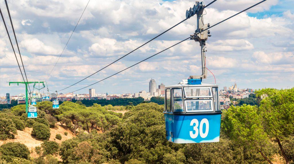 Imagen desde el Teleférico de Madrid, que une el Parque del Oeste y la Casa de Campo.