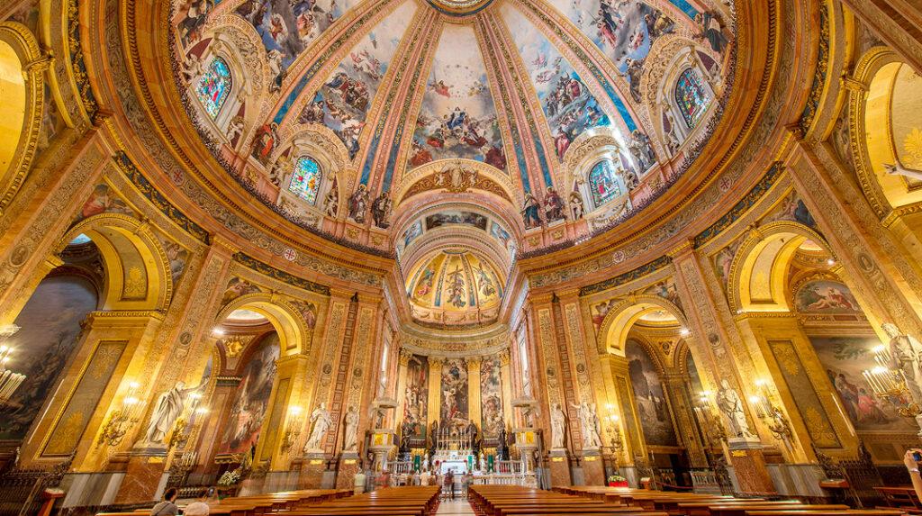 Impresionante cúpula de la Basílica de San Francisco el Grande.