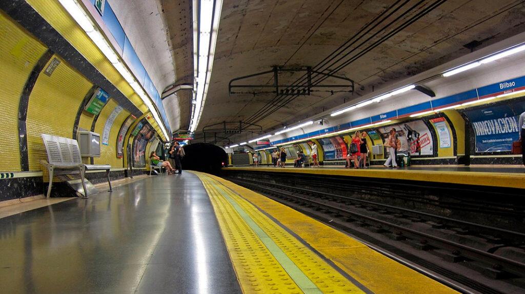 Aspecto de los andenes del Metro de Madrid.