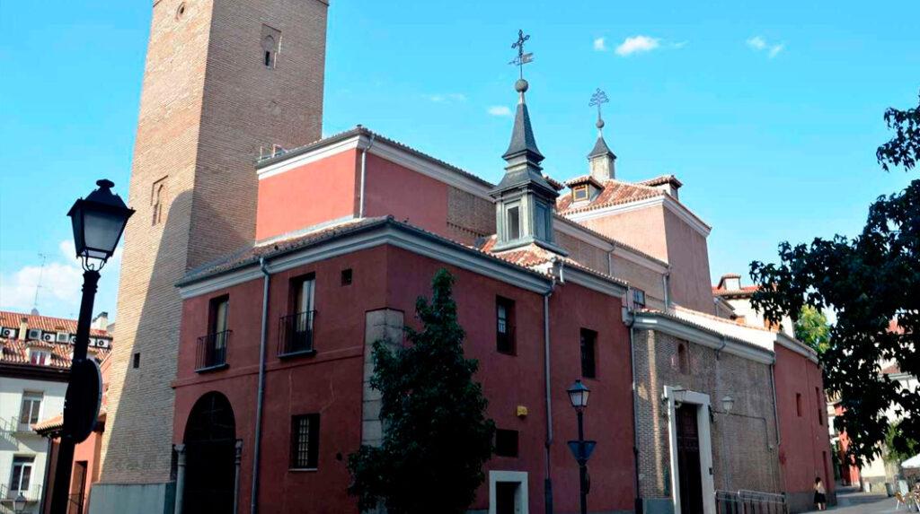 Fachada principal de la Iglesia de San Pedro el Viejo, en La Latina.