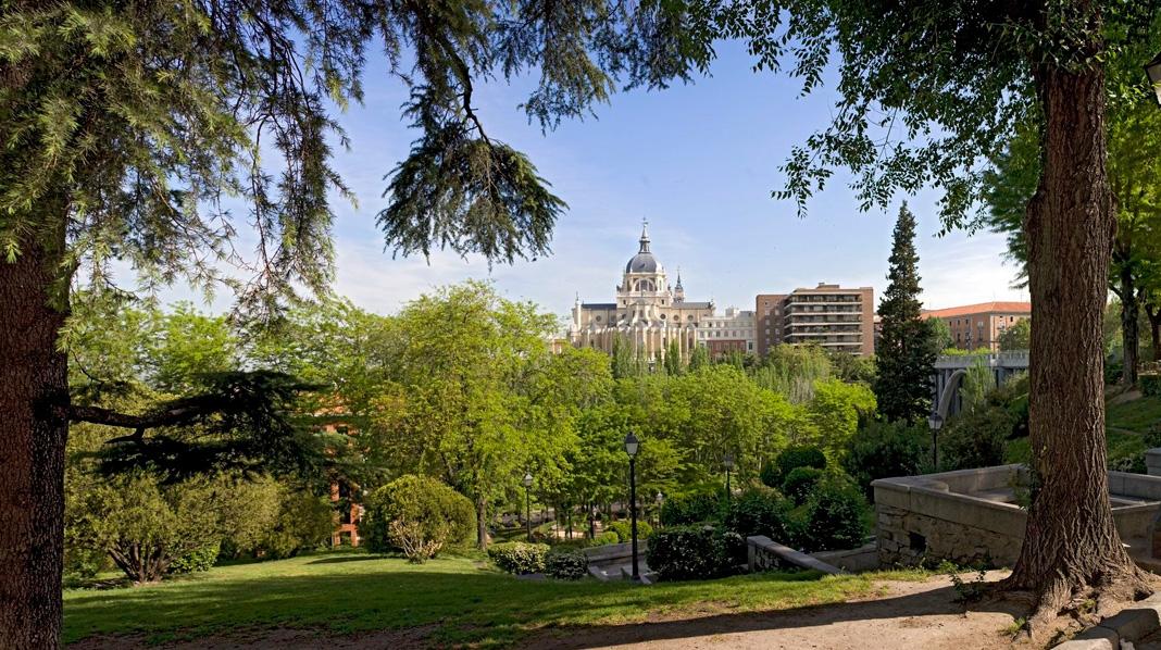 Preciosas vistas desde los Jardines de las Vistillas.