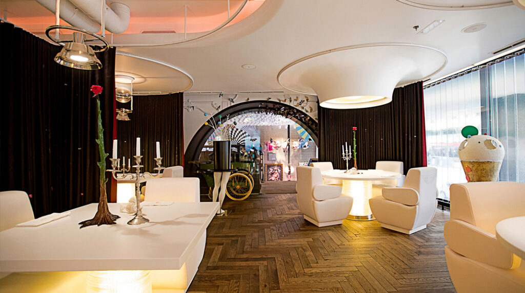 Interior del restaurante DiverXo, del famoso chef Dabiz Muñoz, uno de los más premiados y famosos de Madrid.