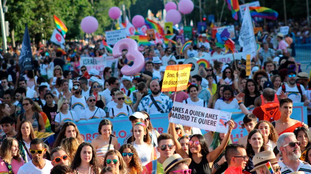 Manifestantes en Madrid en el día del Orgullo LGTB.