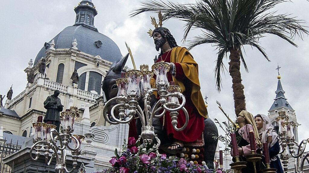 """Imagen de """"La Borriquita"""" durante su procesión de Semana Santa el Domingo de Ramos."""
