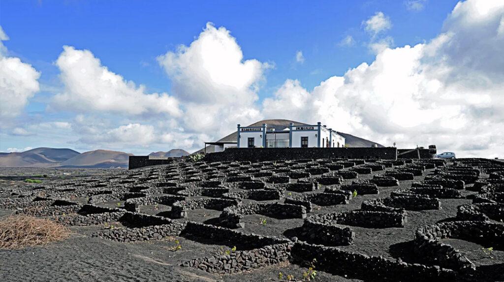Bodega La Geria, una de las más visitadas de Lanzarote.