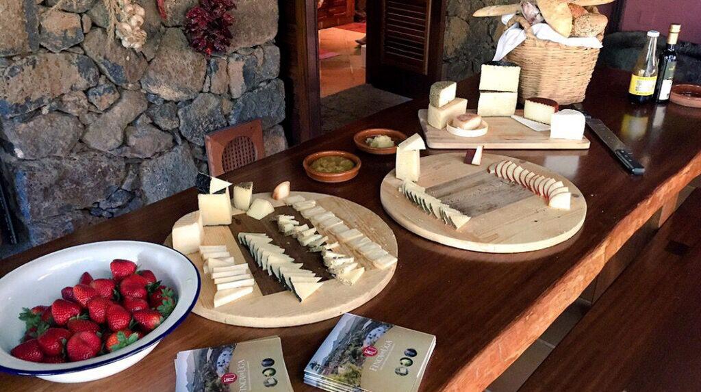 Tabla de quesos de Lanzarote en la quesería Finca de Uga.