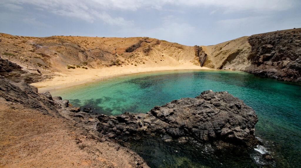 Playa del Papagayo, la más famosa de Lanzarote.
