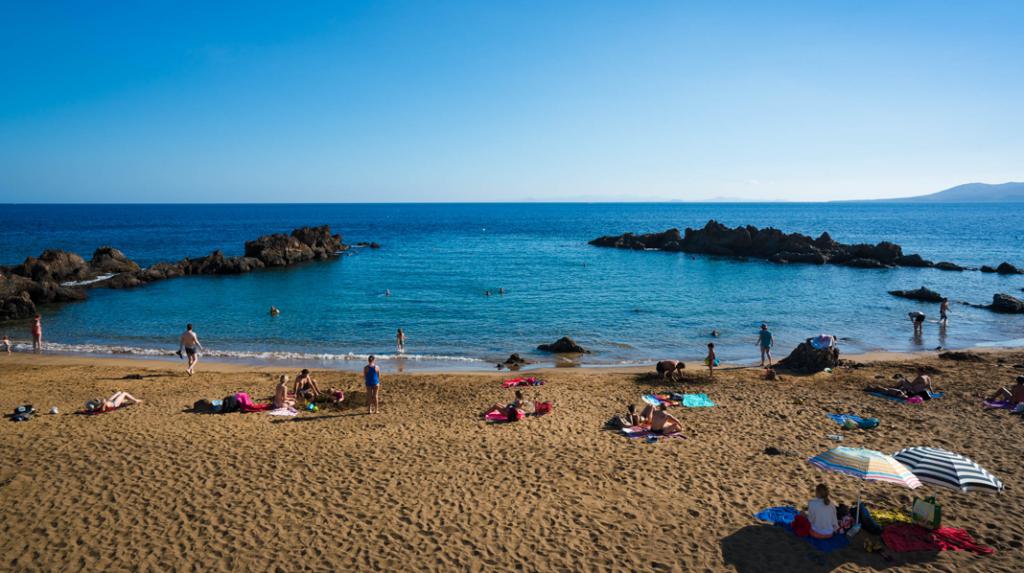 Playa Chica, la meca del submarinismo en Lanzarote.